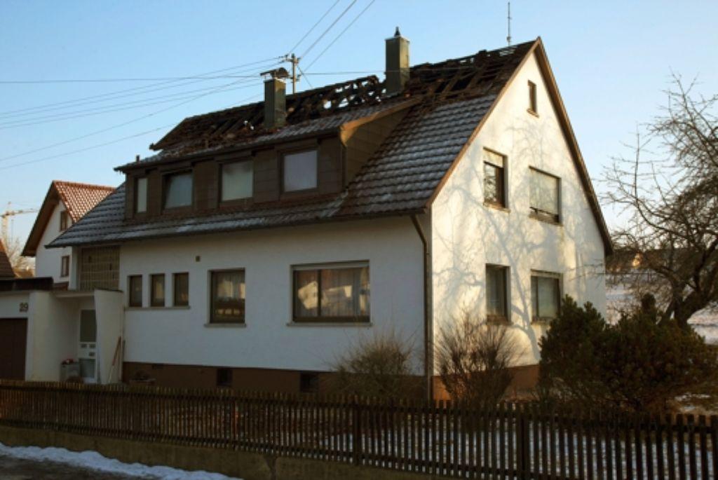 Bei dem Feuer an der Seilerstraße entstand ein Schaden von mindestens 100000 Euro. Das Dachgeschoss und der Dachstuhl hatten in Flammen gestanden. Foto: Thomas Krämer