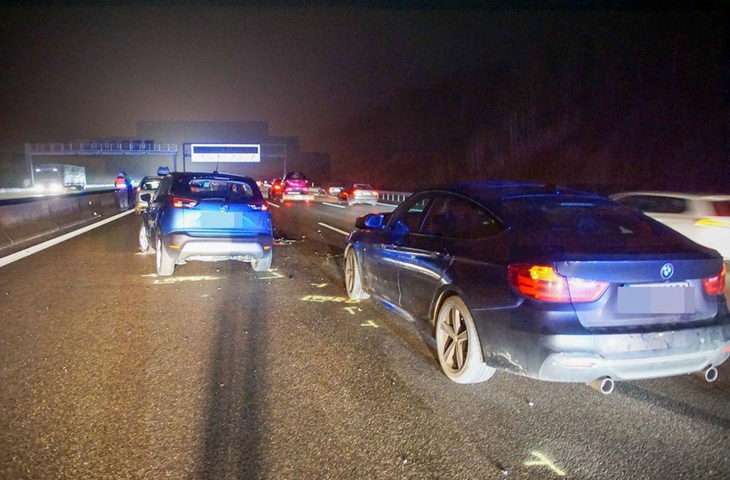 Am Mittwochabend hat es auf der A8 bei Leonberg heftig gekracht. Foto: SDMG/Dettenmeyer
