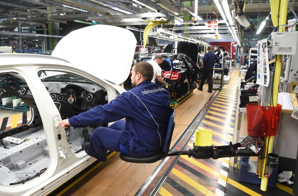 Daimler ist sicher ein Grund dafür: Stuttgart ist bei der Wirtschaftskraft auf der Spitzenposition. Foto: dpa