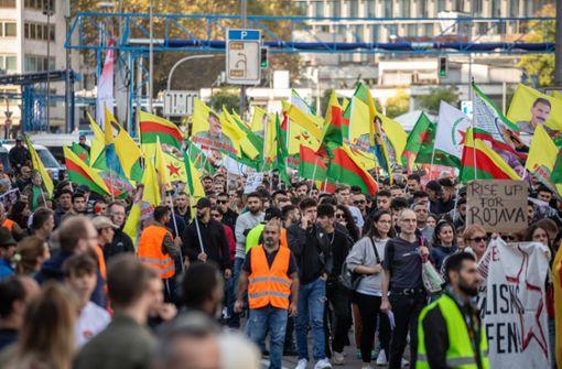 Friedlicher Protest gegen Einmarsch in Nordsyrien