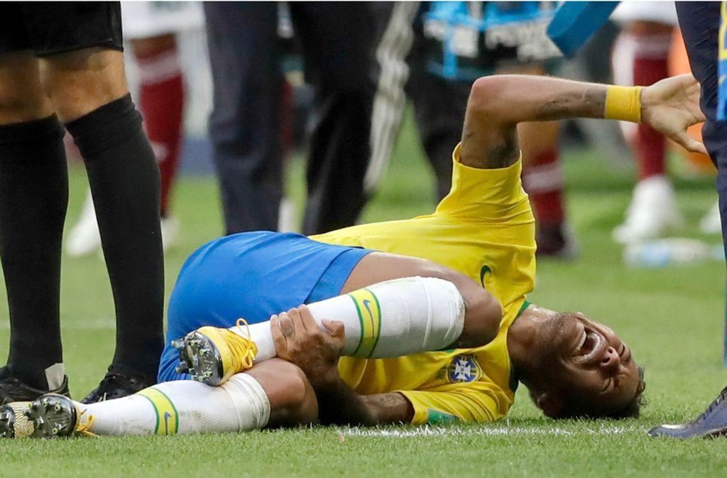 Dramatische Szenen um Neymar bei der Fußball-WM. Foto: AP
