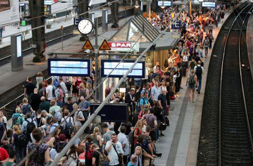 Kühlmittel ausgelaufen - Hauptbahnhof evakuiert