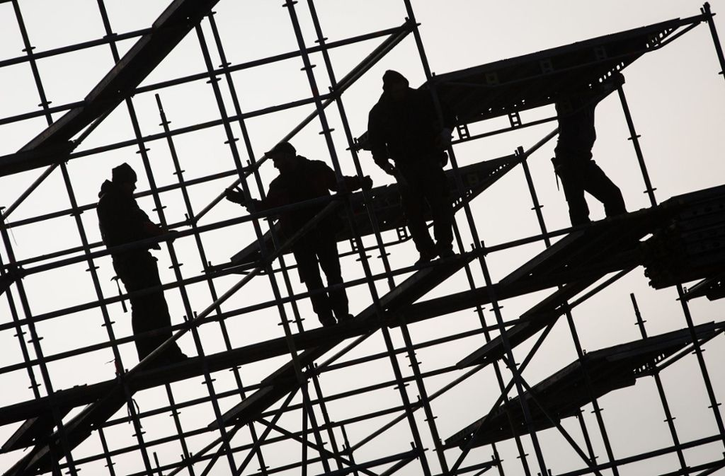 """In der Hemminger """"Hälde"""" haben Zollbeamte schon wieder einen Schwarzarbeiter erwischt. (Symbolbild) Foto: dpa"""