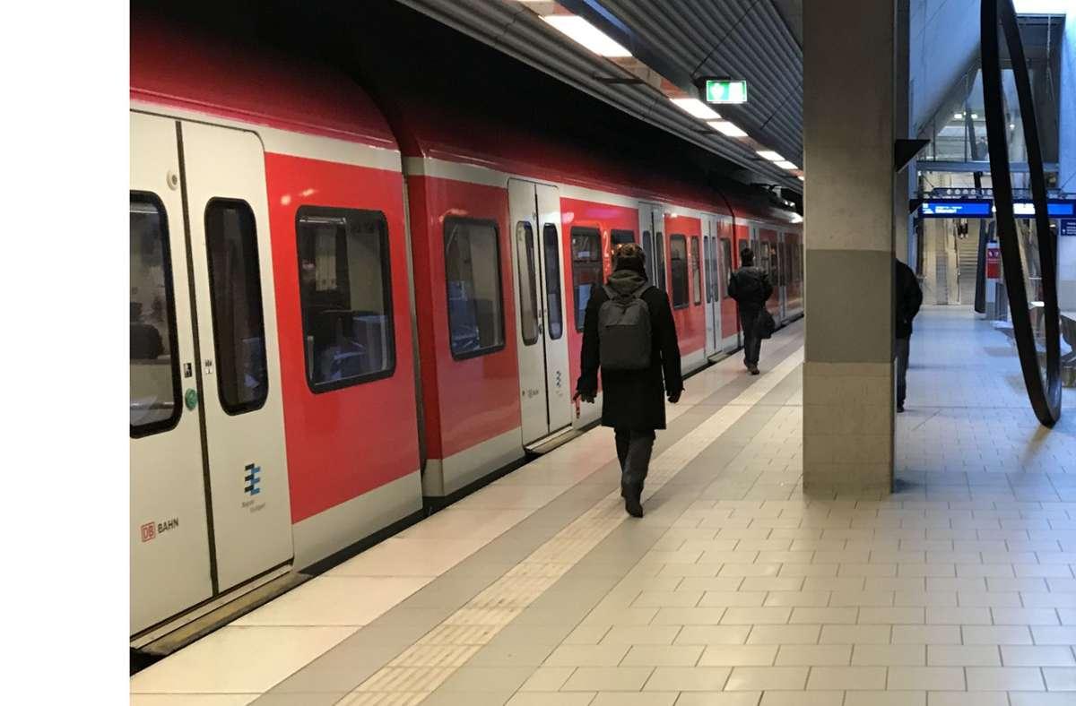 Die S2 fährt künftig alle 15 Minuten bis nach Bernhausen – zumindest in den Hauptverkehrszeiten. Foto: Julia Bosch