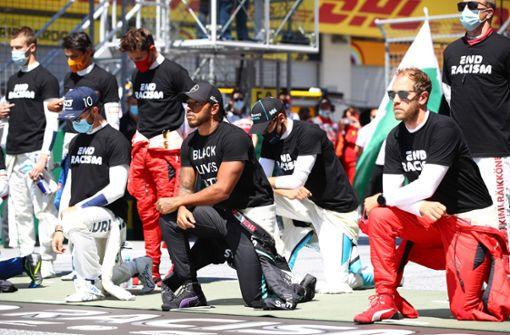 14 von 20 Fahrern knien für Black-Lives-Matter-Protest