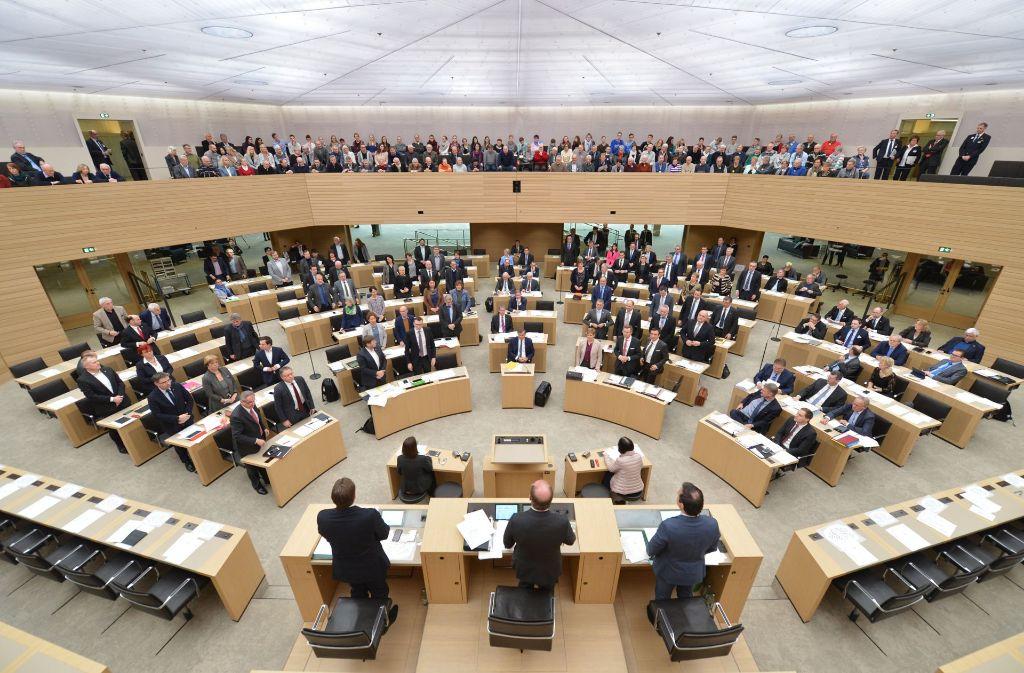 Die Abgeordneten im Stuttgarter Landtag stimmen über ihre künftige  Altersversorgung ab Foto: dpa