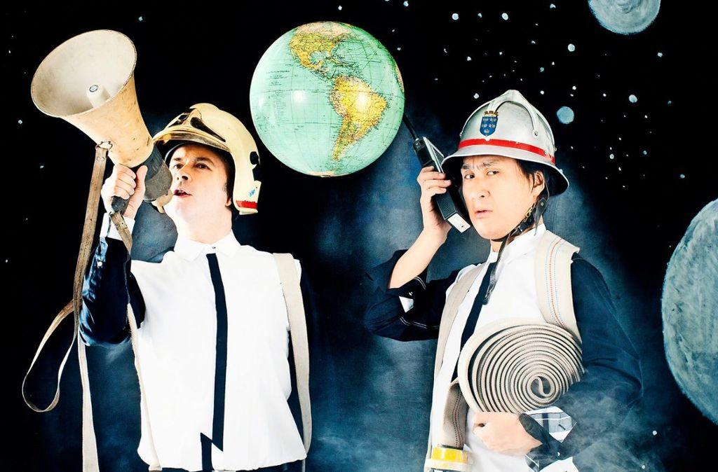 Klassik muss nicht auf klassische Weise daherkommen. Zumindest finden das Aleksey Igudesman (links) und Hyung-ki Joo. Als Musik-Comedy-Duo Igudesman & Joo treten sie am 17. Oktober im Theaterhaus Stuttgart auf.  Foto: Julia Wesley