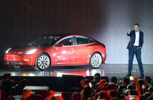 Angehörige verklagen  Tesla wegen Autopiloten