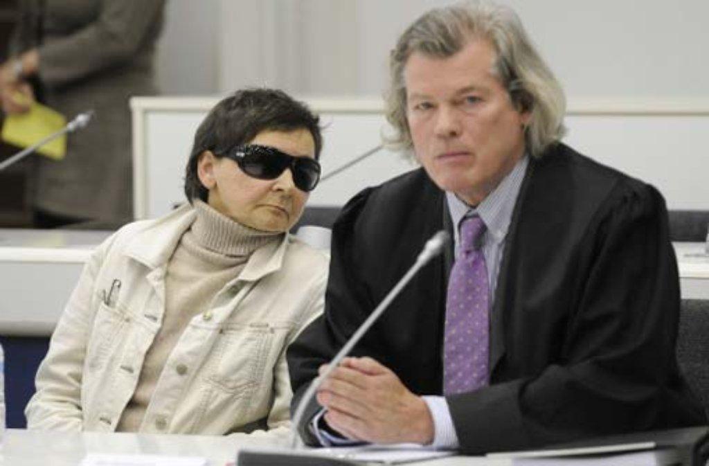 Verena Becker steht wegen des Mordes an Generalbundesanwalt Siegfried Buback vor dem Stuttgarter Landgericht (Archivbild). Foto: dapd