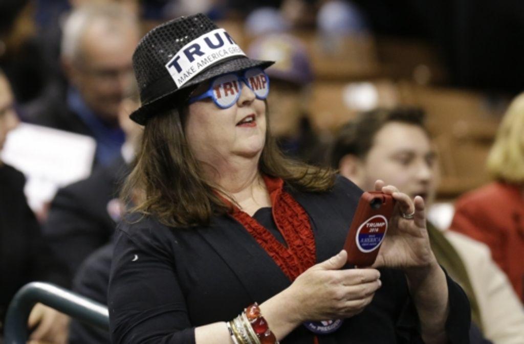 Eine Anhängerin von Donald Trump – der Präsidentschaftswahlkampf in den USA nimmt an Fahrt auf. Foto: AP