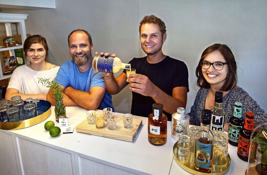 Bei Franziska Becker, Markus Merkle, Manuel Uez und Florentine Bofinger (von links) von der  Agentur Blumberg  dreht sich alles um bio –  auch an der Bar. Foto: Ines Rudel