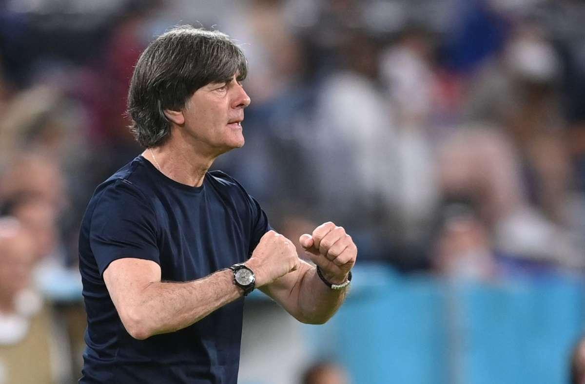 """Bundestrainer Joachim Löw sprach von einem """"brutal intensiven"""" Spiel. Foto: AFP/MATTHIAS HANGST"""