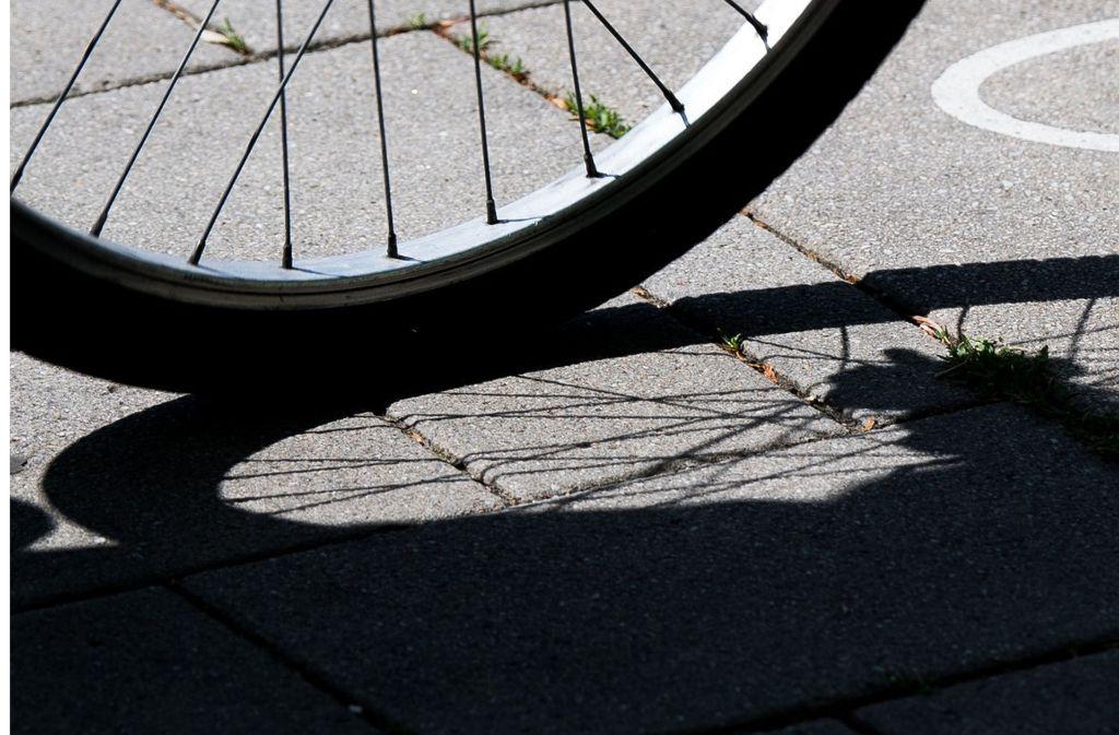 Die Fahrradfahrerin wurde schwer verletzt. Foto: Symbolbild/dpa