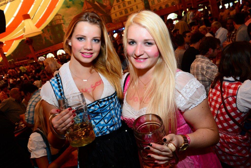 Am Freitagabend feierten etliche Besucher im Grandls Festzelt den ersten Tag des Cannstatter Volksfests. Wir haben die Bilder. Foto: www.7aktuell.de |