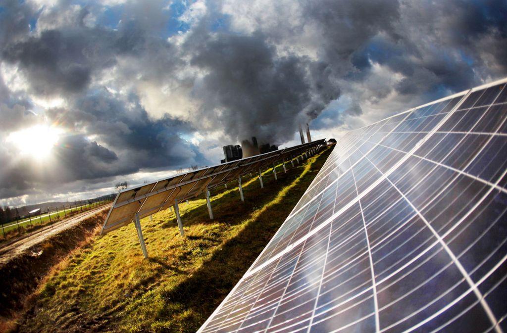 Investitionen in erneuerbare Energien und eine Abkehr von fossilen Brennstoffen – das ist laut  Forschern des Potsdam Instituts einer der zentralen Punkte. Foto: dpa/Oliver Berg