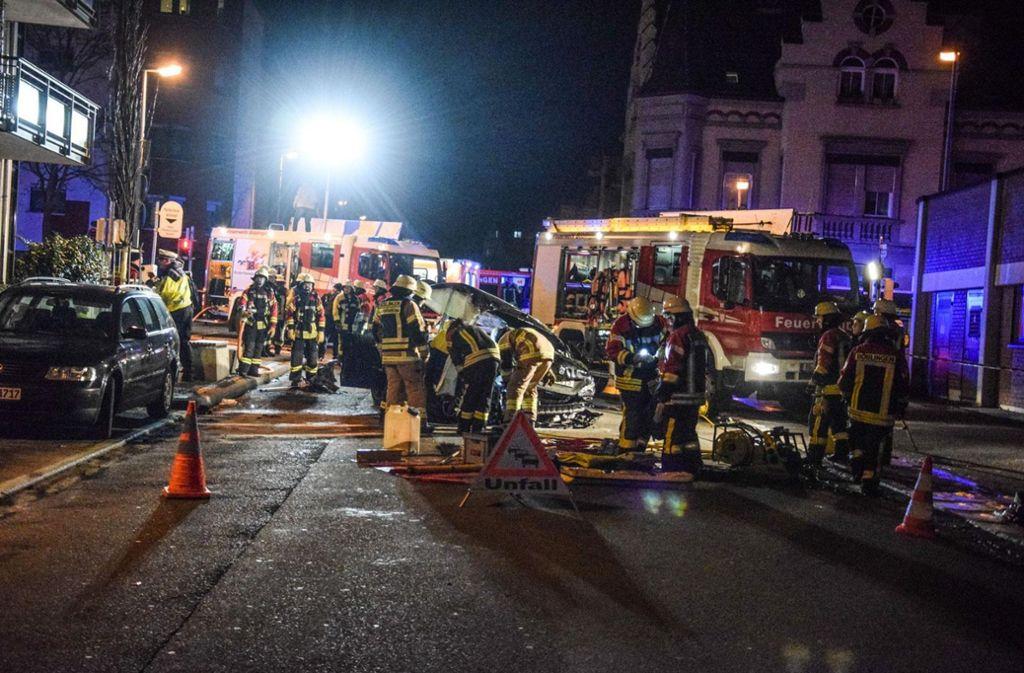 Bei dem Unfall in der Böblinger Innenstadt wurden sechs Menschen verletzt. Die Einsatzkräfte waren mit einem Großaufgebot vor Ort. Foto: 7aktuell.de/Marc Gruber
