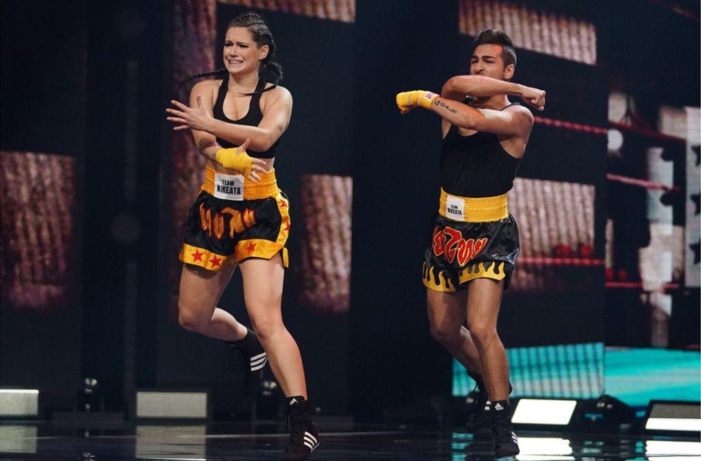 Anita Fast in Aktion mit ihrem Tanzpartner. Foto: ProSieben/Guido Engels