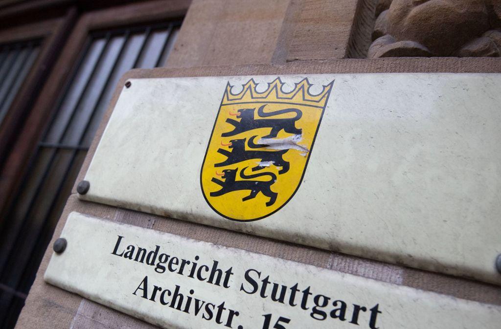 Vor dem Landgericht Stuttgart muss sich ein 40-Jähriger verantworten. Archiv Foto: Marijan Murat/dpa
