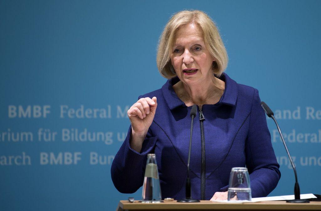 Forschungsministerin Johanna Wanka wirbt für die duale Ausbildung. Foto: dpa