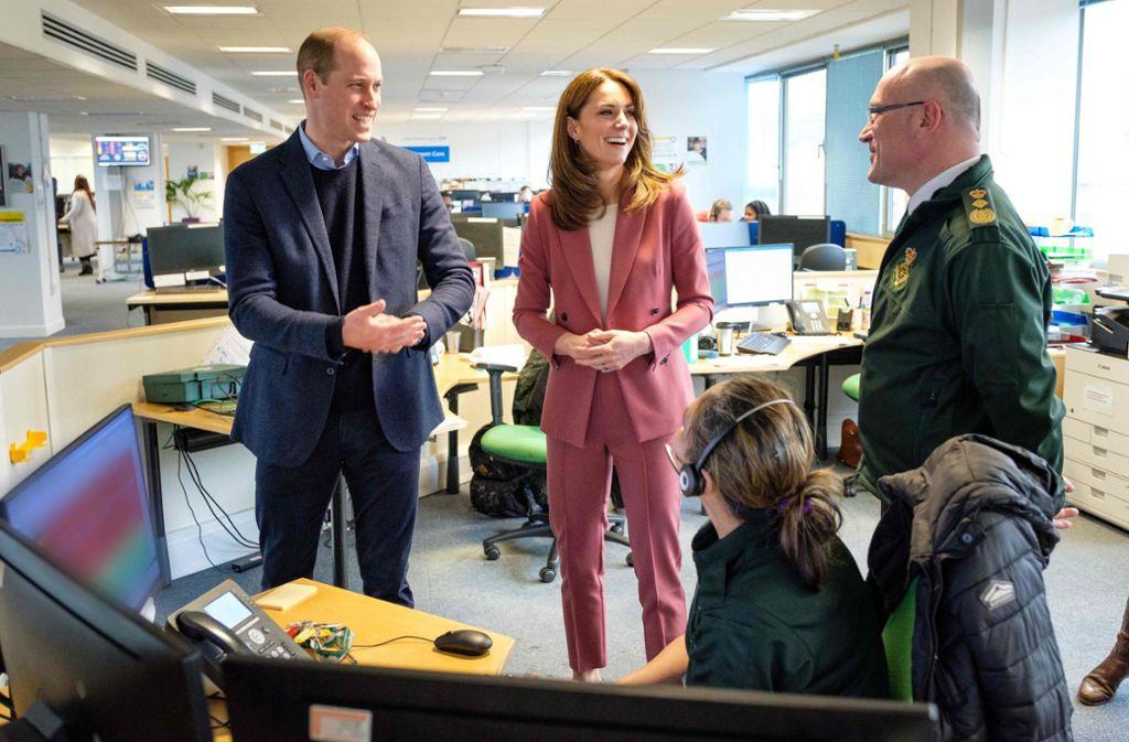 Prinz William und Herzogin Kate besuchten am Freitag eine Corona-Callcenter in London. Foto: AFP