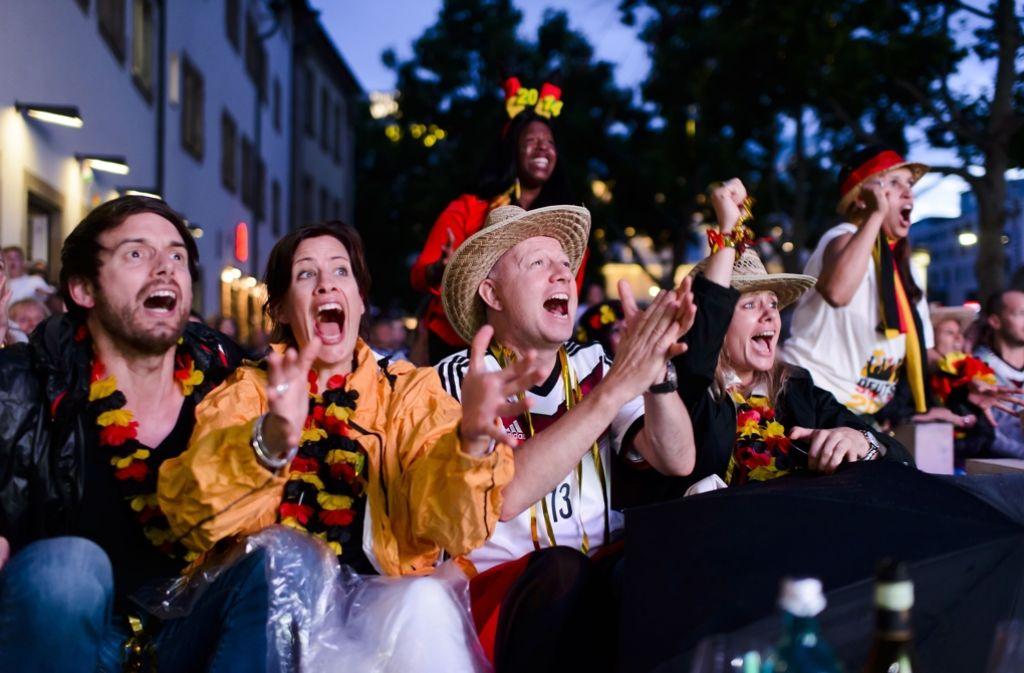 Zahlreiche Restaurants, Clubs und Bars laden in Stuttgart ein, die Spiele der Fußball-Europameisterschaft zu verfolgen. Foto: 7aktuell.de/Eyb