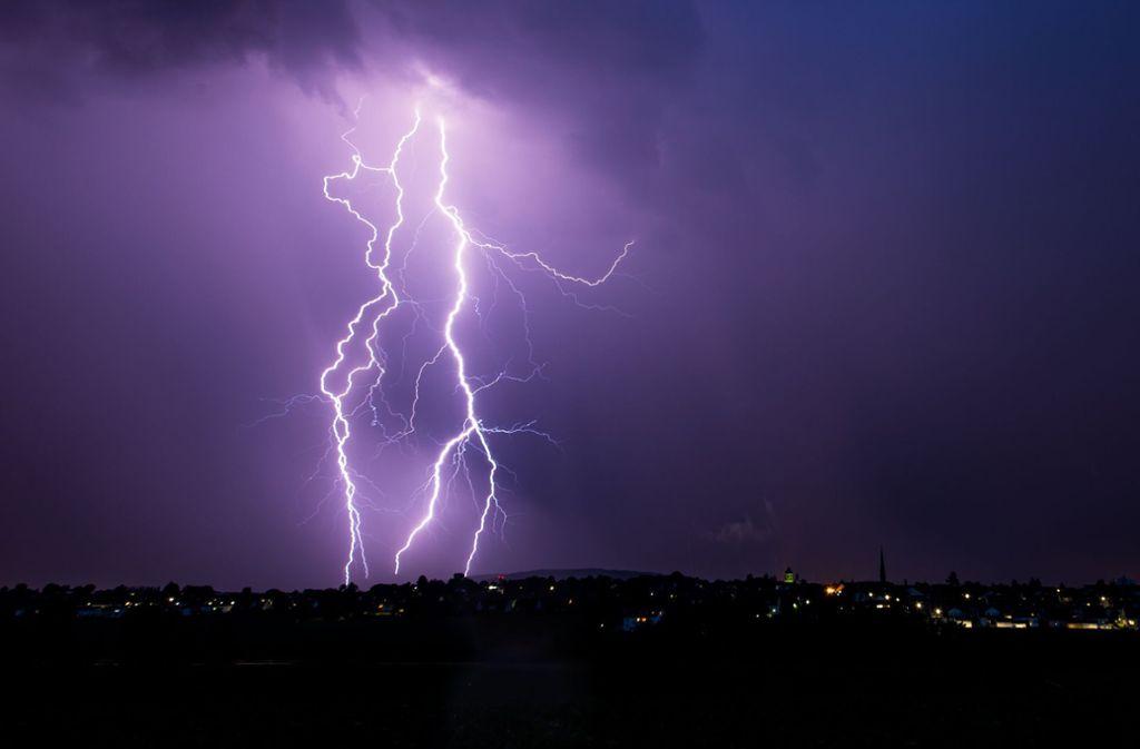 Ab Mittwoch muss im Südwesten mit Gewitter und Starkregen gerechnet werden. Foto: dpa
