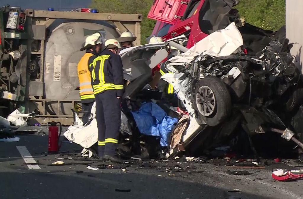 Ein schrecklicher Unfall hat sich auf der A2 ereignet. Foto: TeleNewsNetwork