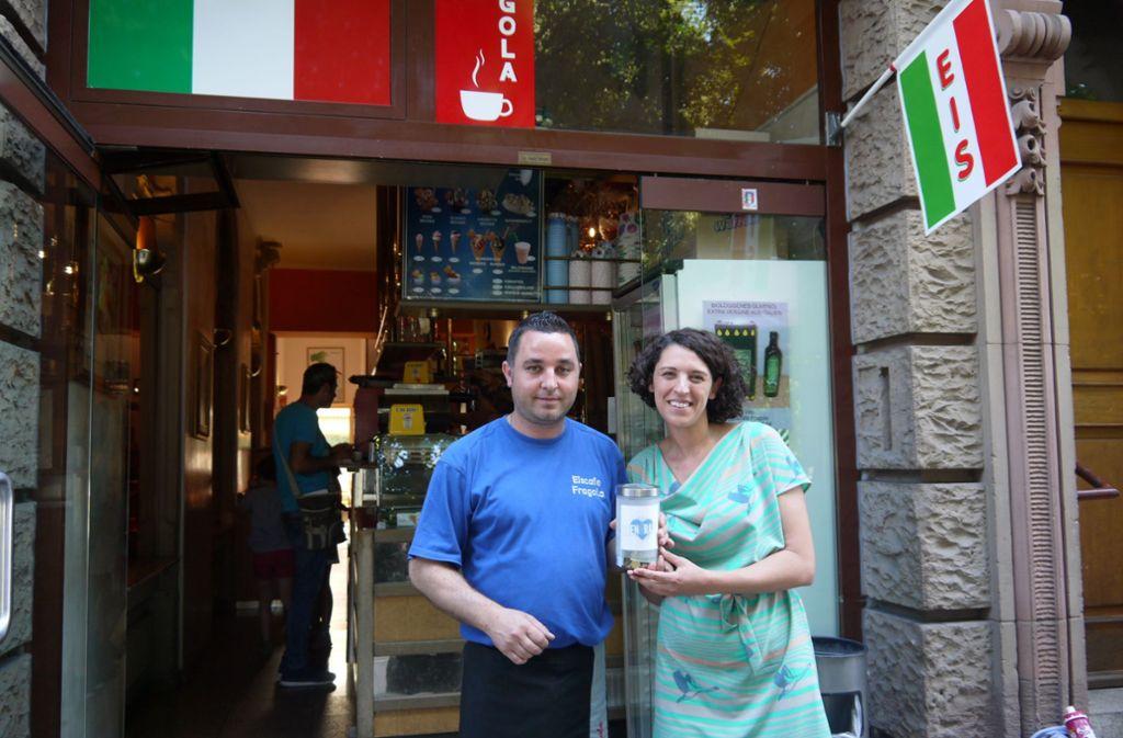 """Im Jahr 2014 hat Dijana Mandaglio  von den Stadtisten die Initiative """"Obendrauf"""" ins Leben gerufen. Das Café Fragola im Westen hat sofort mitgemacht. Foto: Nina Ayerle"""