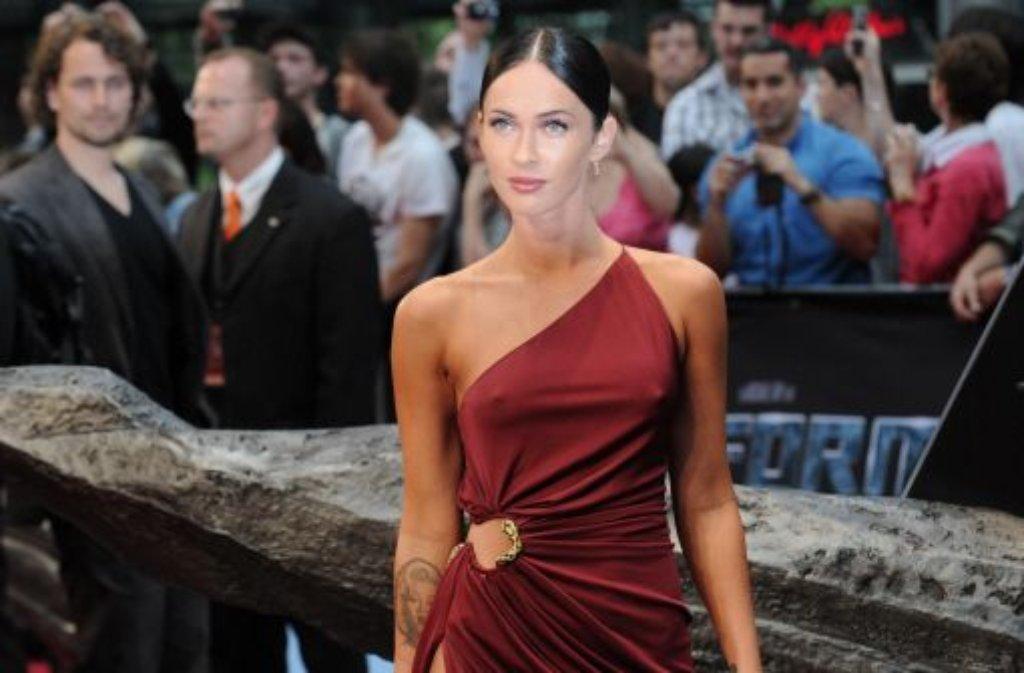 Im Jahr 2009 ist Megan Fox die meistgegoogelte Person in Deutschland und begeistert wohl vor allem das männliche Kinopublikum in Transformers - Die Rache. Ein Jahr zuvor ist sie von den Lesern des britischen Männermagazins FHM zur Sexiest Woman of the World gewählt worden, in den beiden Folgejahren belegt sie den zweiten Platz.  Foto: dpa