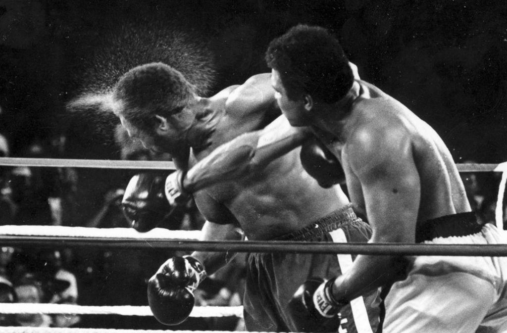 Die ARD zeigt am Samstagabend den legendären Boxkampf von Muhammad Ali gegen George Foreman aus dem Jahr 1974. Foto: AP