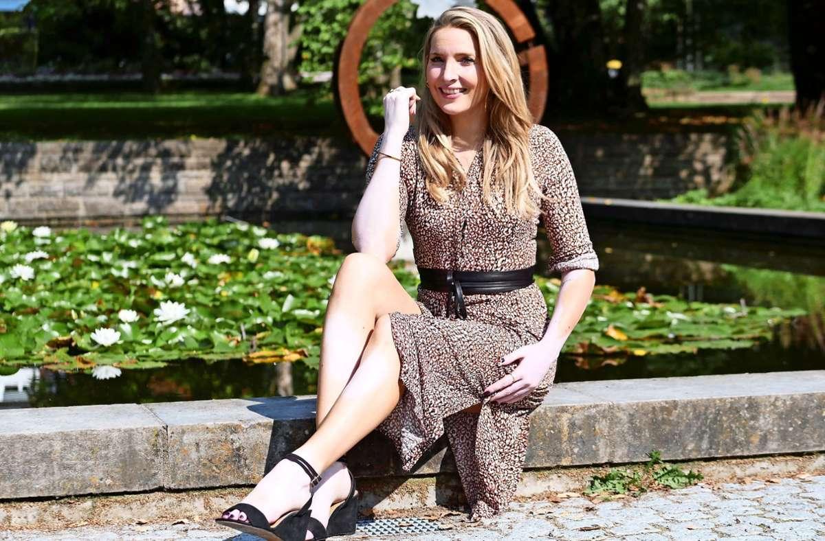 Mit ihrer Teilnahme möchte Sarah-Liv Weyler anderen Frauen mit angeblichen Schönheitsmakeln Mut machen. Sie selbst hat die Weißfleckenkrankheit. Foto: Eileen Breuer