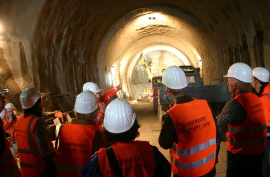 Der Fildertunnel in einer früheren Ausbauphase: nun ist die Tunnelvortreibsmaschine bereits aufgestellt und fertig montiert. Foto: Müller
