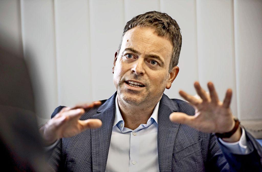 """""""Da auch wir stark wachsen wollen, reicht Deutschland allein nicht mehr aus"""", sagt Curevac-Gründer Ingmar Hoerr. Foto: Lichtgut/Max Kovalenko"""
