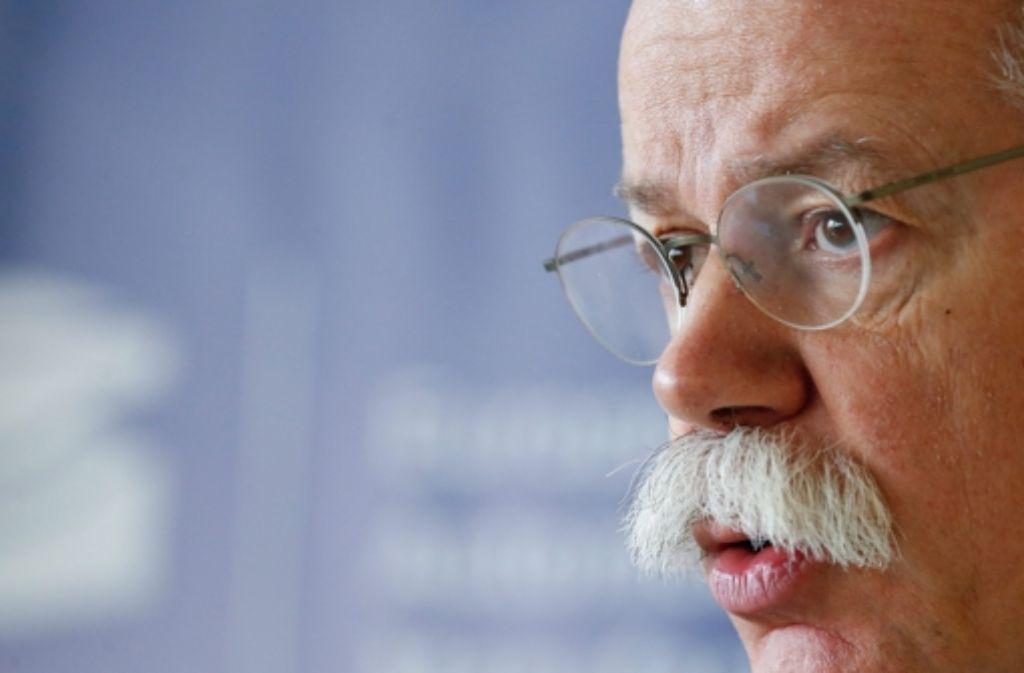 Dieter Zetsche, Vorstandsvorsitzender der Daimler AG, befürchtet negative Auswirkungen auf die Wirtschaft, falls in der EU wieder Grenzkontrollen eingeführt werden. Foto: EPA