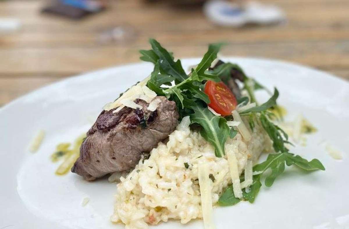In der Metzgerei im Stuttgarter Westen gibt es täglich wechselndes Mittagessen zwischen 12 und 15 Uhr. Foto: Carina Kriebernig