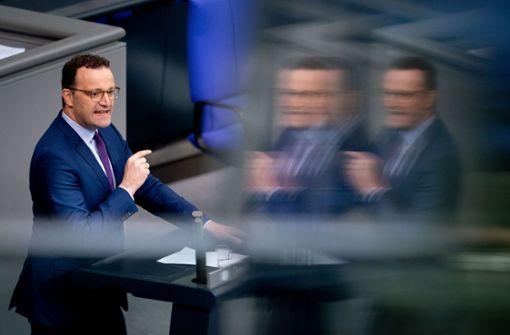 Jens Spahn äußert sich besorgt über Corona-Neuinfektionen