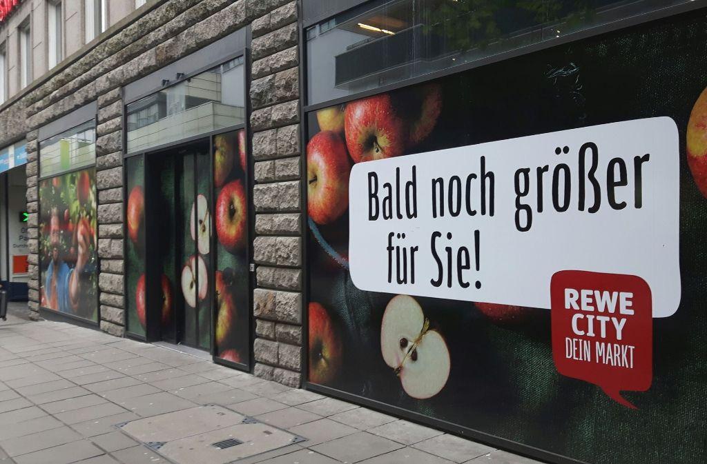 In der Kronenstraße stehen bald Umbaumaßnahmen bei Rewe an. Foto: Bettina Künzler