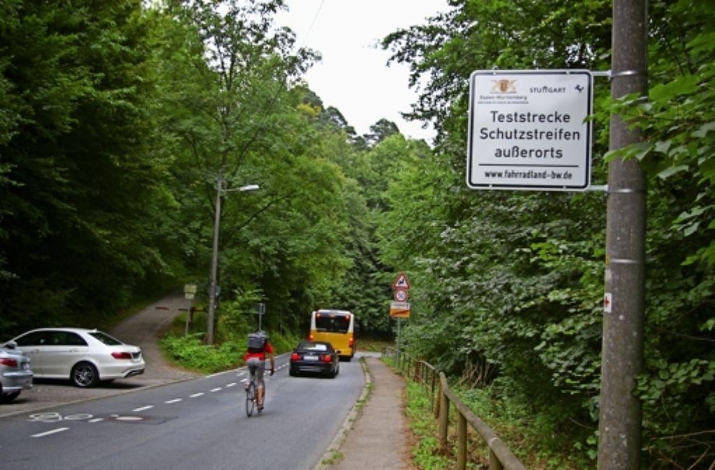 Bergauf gibt es auf der Straße Im Elsental einen Fahrrad-Schutzstreifen. Foto: Alexandra Kratz