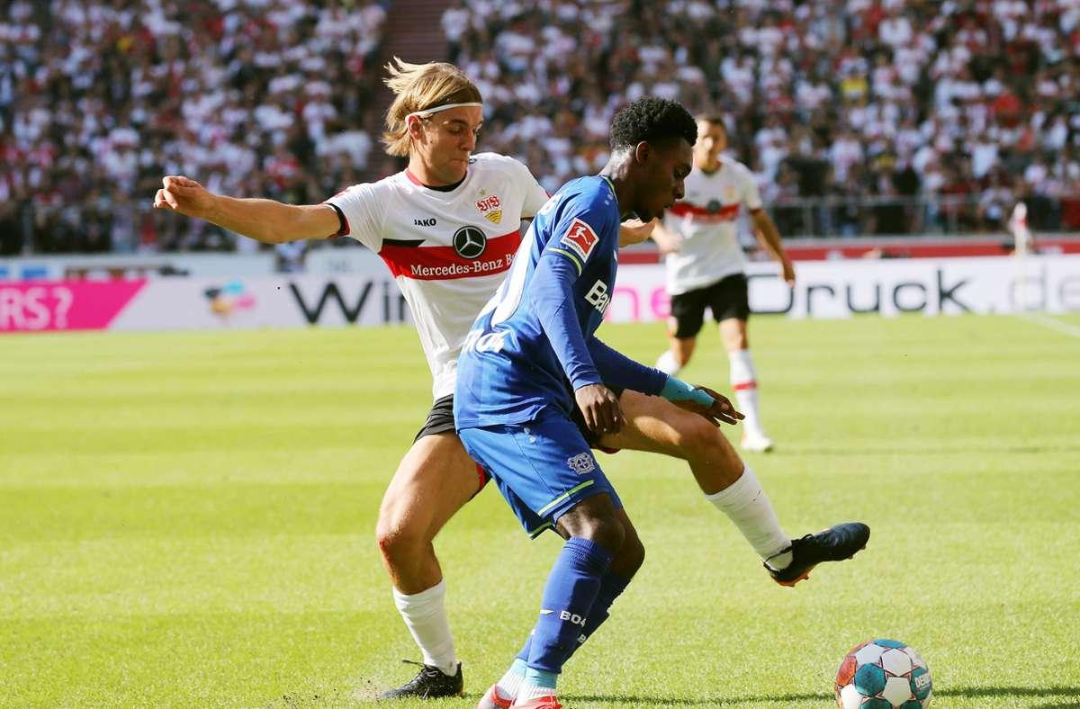 Der VfB Stuttgart hat gegen Leverkusen trotz Überzahl verloren. Foto: Pressefoto Baumann/Julia Rahn