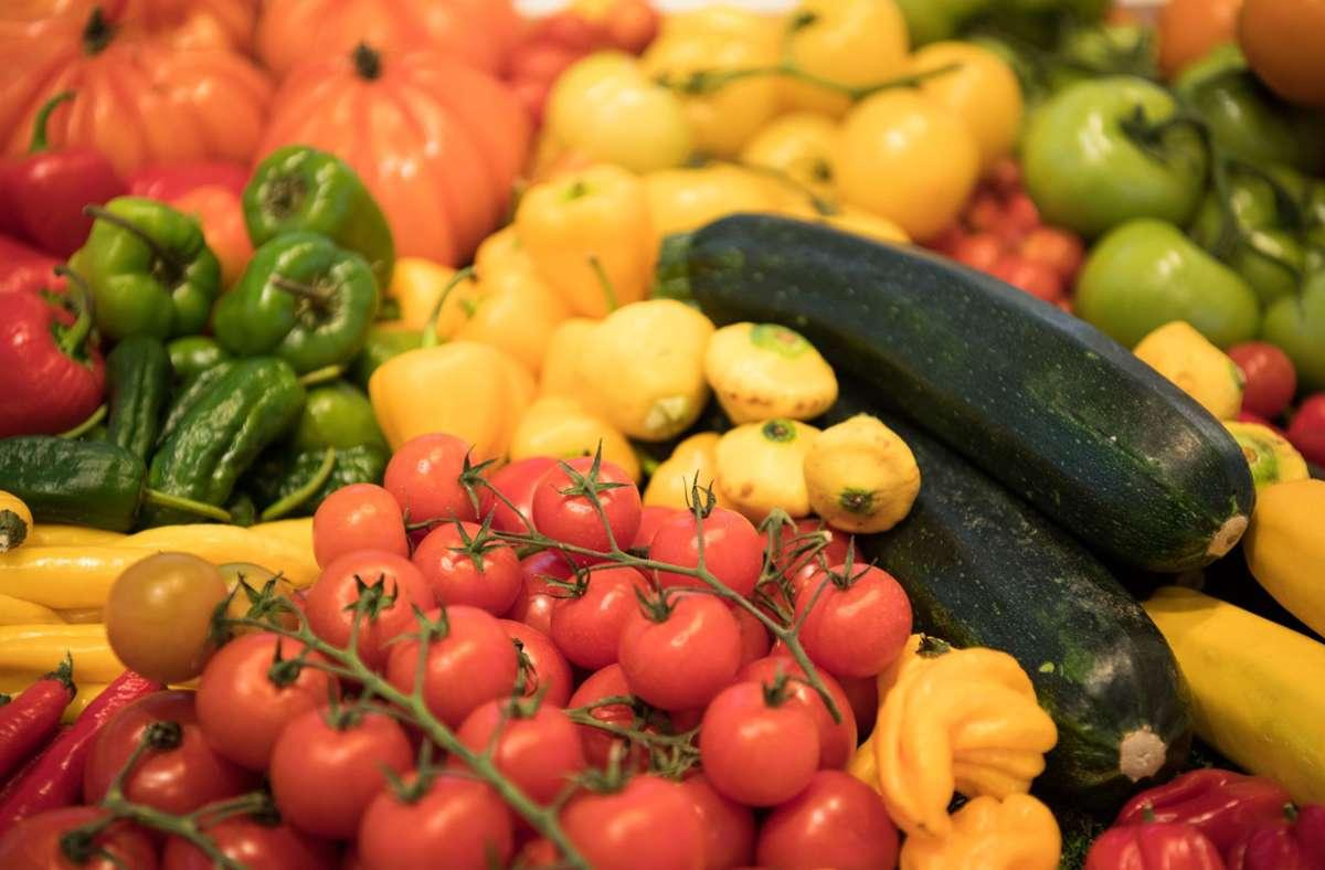 Vegane Ernährung  könnte einer  Studie zufolge negative Folgen für die Knochengesundheit haben. Foto: Soeren Stache/dpa
