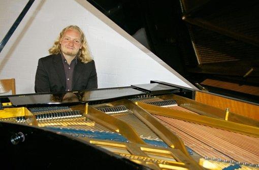 Ein Pfarrer mit Klavier und Großfamilie