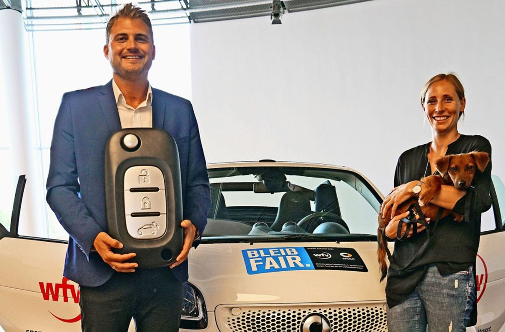 Fair Play als Schlüssel zum Erfolg: Manuel Doll (li.), Trainer des Landesligisten TSV Bad Boll, freut sich über ein Jahr lang Smart-Fahren. Foto: wfv Foto: