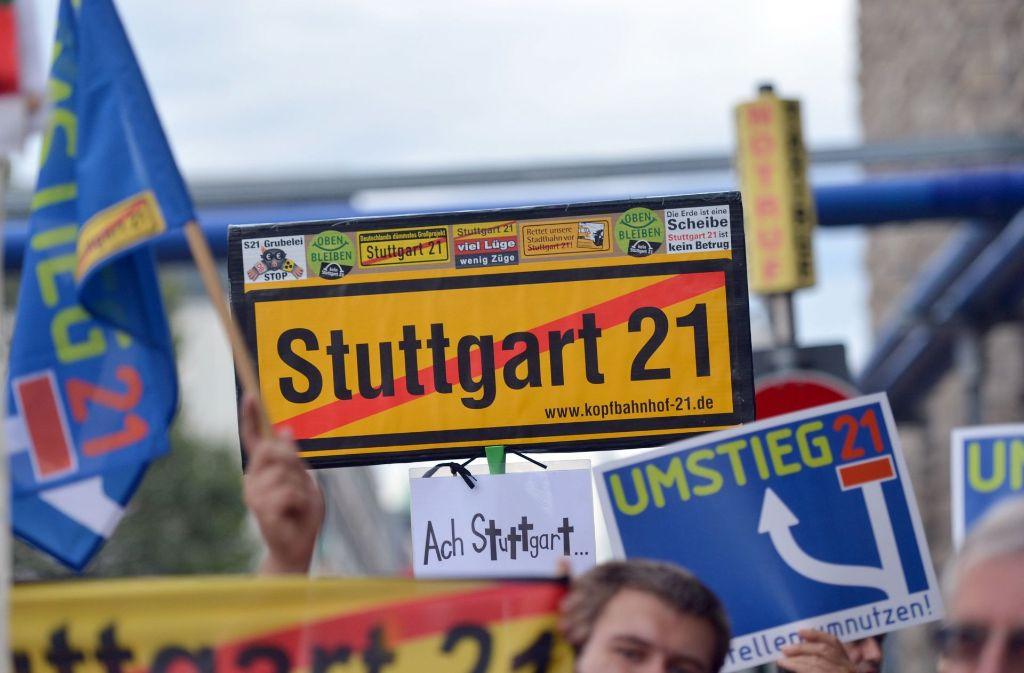 Gegner erwarten eine Kostenexplosion bei Stuttgart 21, Wirtschaftsprüfer sehen keine gravierenden Kostenüberschreitungen. Foto: dpa