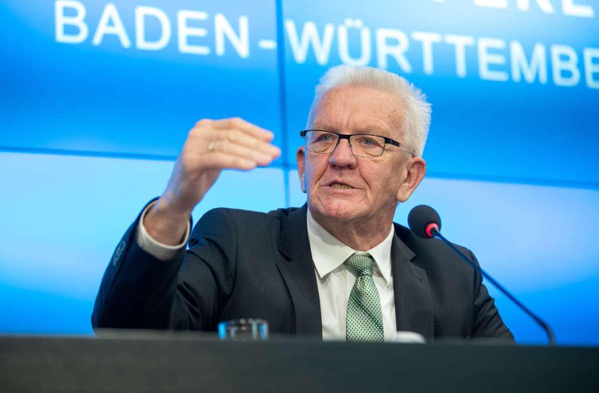 Winfried Kretschmann nahm am Dienstag noch einmal Stellung zu den neuen Corona-Verordnungen. Foto: dpa/Sebastian Gollnow