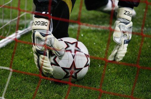 Haftstrafen für Attacke auf Schiedsrichter