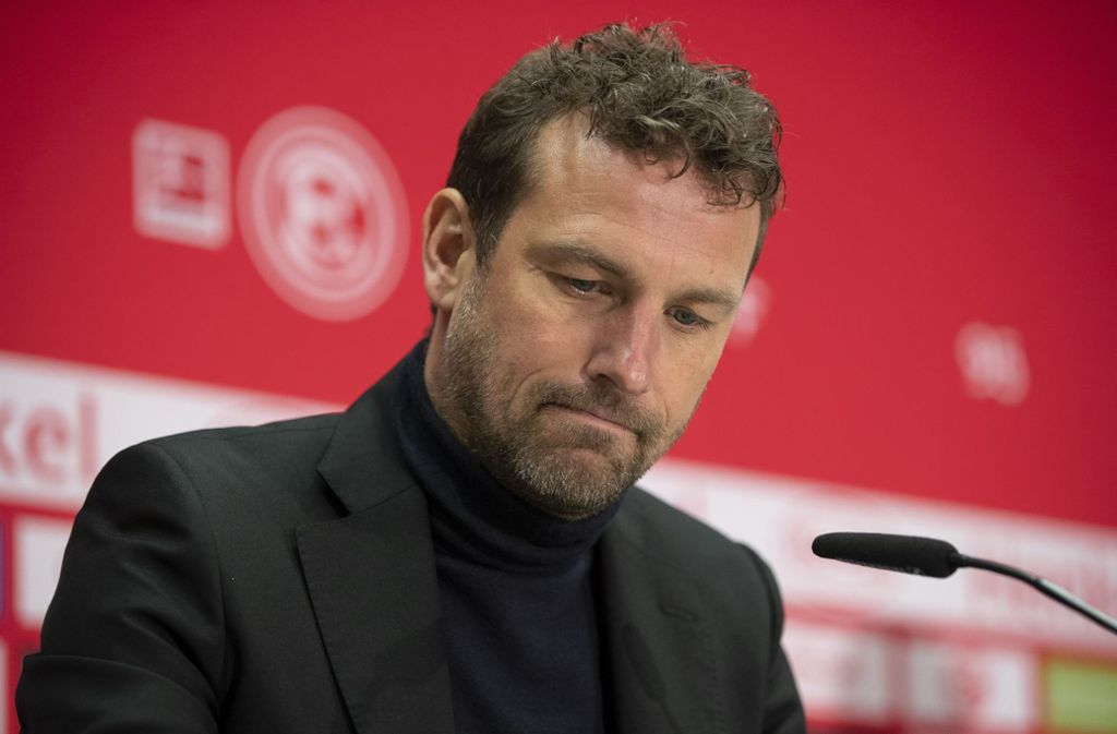 Markus Weinzierl trainiert den VfB seit dem siebten Spieltag – nun könnte seine Arbeit in Stuttgart schon wieder vorbei sein. Foto: Bongarts