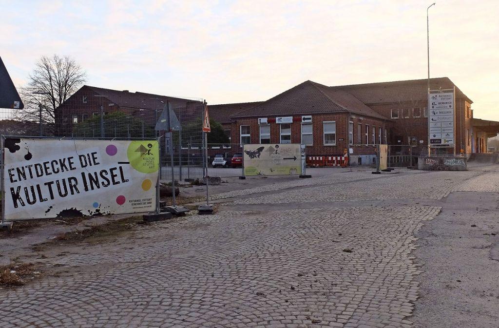 Für den Fortbestand der   Kulturinsel  auf dem ehemaligen Güterbahnhof-Gelände werden die Weichen gestellt. Foto: Iris Frey