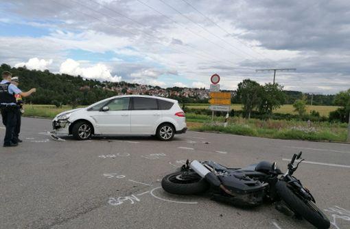 Unfall mit Fahranfänger – Motorradfahrer schwer verletzt