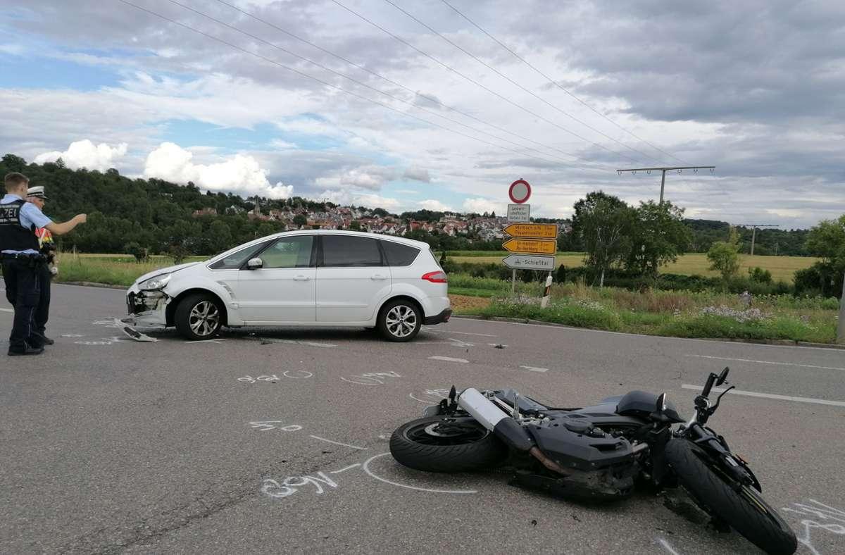 Bei dem Unfall ist ein Motorradfahrer schwer verletzt worden. Foto: SDMG/SDMG / Hemmann