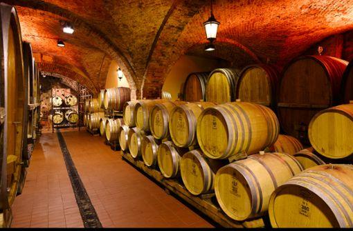 In Eichholz-Fässern reift der Wein.